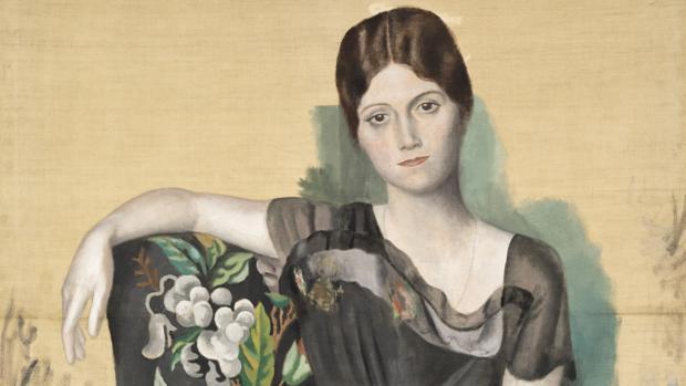 «Retrato de Olga en un sillón» (1918) de Pablo Picasso que se puede ver en la exposición de CaixaForum