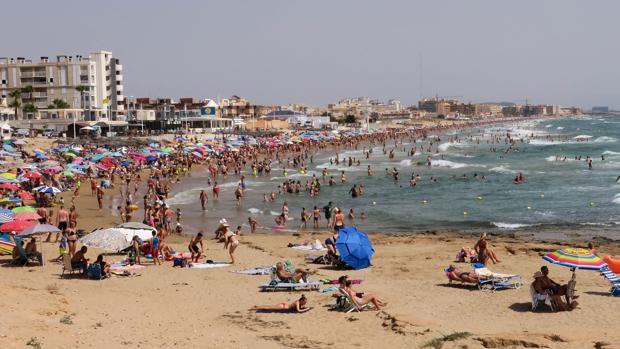 Un Turista Ruso De 79 Años Muere Ahogado En La Playa De La Mata En Torrevieja