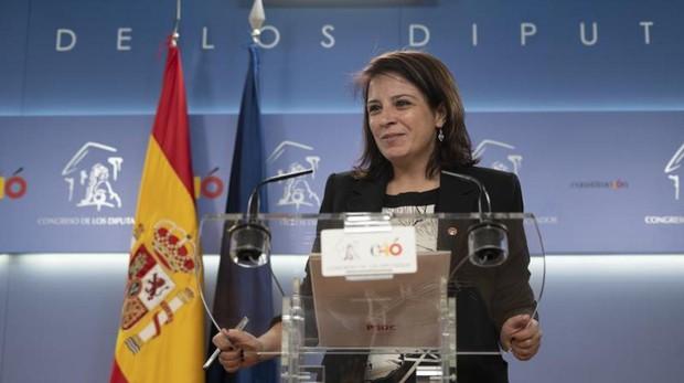 La portavoz y vicesecretaria general socialista Adriana Lastra