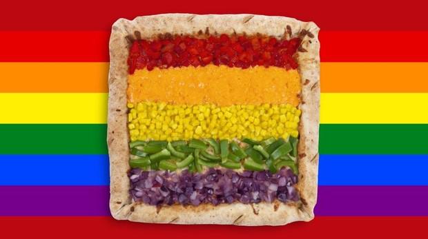 Imagen promocional de la «pizza arcoíris» de Telepizza