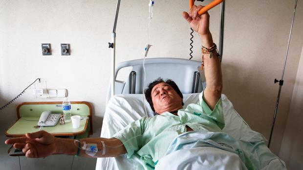 Imagen de archivo de El Soro en el hospital tras la cogida que sufrió en las Fallas de 2015