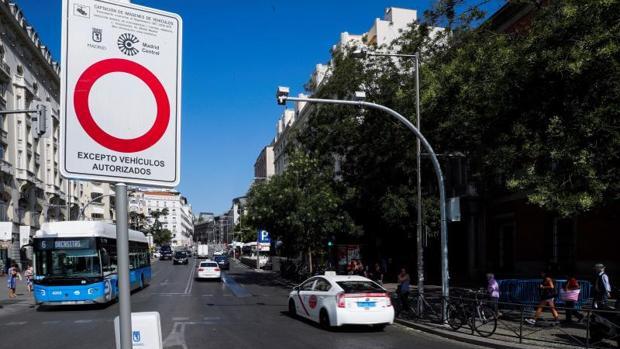 Entrada a Madrid Central por la Carrera de San Jerónimo