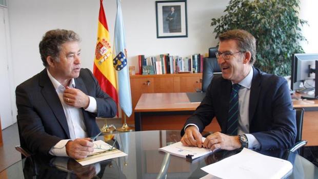 Miguel Anxo Fernández Lores y Alberto Núñez Feijóo, en la sede de la Xunta en Pontevedra