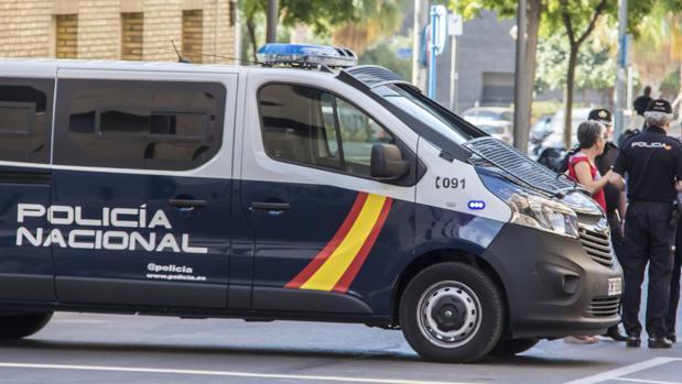 Imagen de un vehículo de la Policía Nacional de Alicante