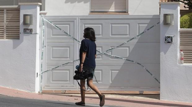 Imagen de la vivienda en la que un hombre ha matado a su mujer en la madrugada de este lunes
