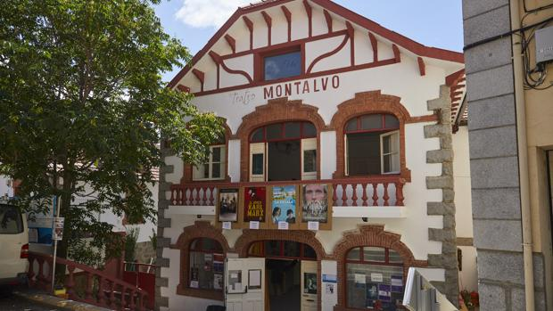 Exterior del renovado Teatro Montalvo, en Cercedilla