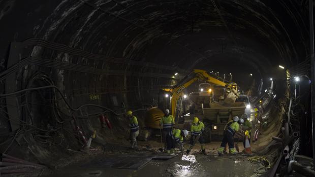 Obras de mejora en el interior del túnel de Recoletos