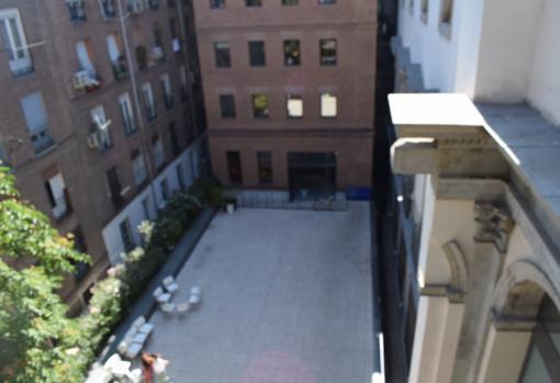 Vista del patio desde lo alto del edificio