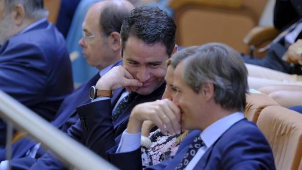 García Egea, con Beltrán y Terol, en la Asamblea de Madrid