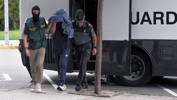Uno de los nueve detenidos durante el paso a disposición el miércoles del juzgado de Vilagarcía