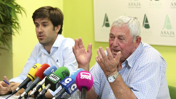 Fernando Villena, presidente de Asaja, junto a Arturo Serrano, secretario general técnico