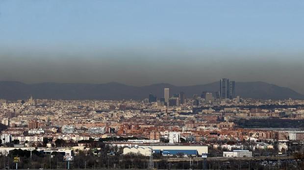 Boina de contaminación en Madrid, vista desde el exterior