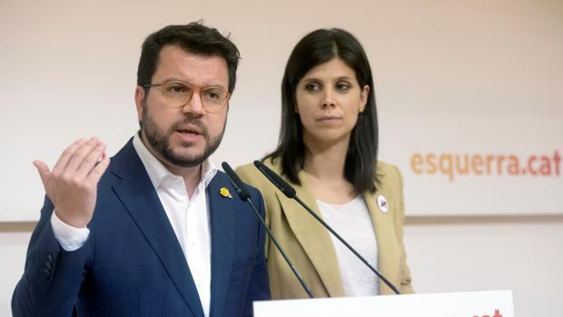 El coordinador nacional de ERC, Pere Aragonès, y la portavoz del partido, Marta Vilalta