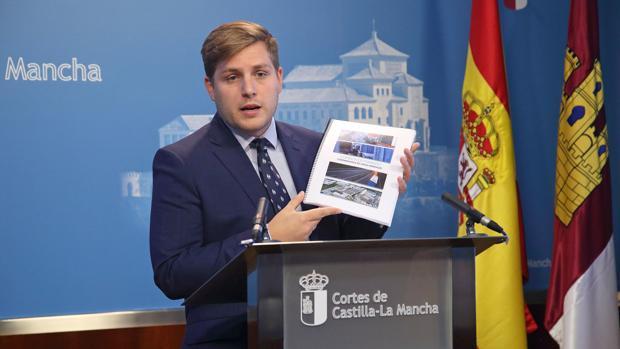 Nacho Hernando durante su comparecencia en la Comisión de Fomento de las Cortes de Castilla-La Mancha