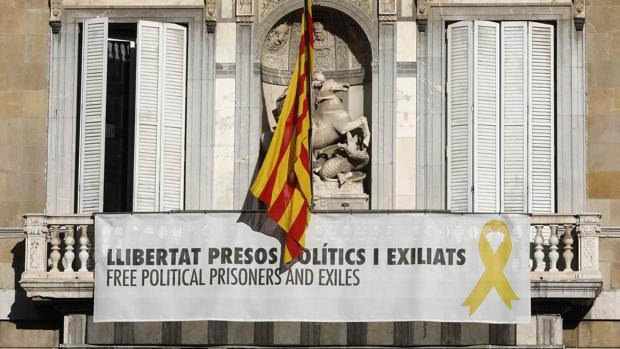 Torra reta al TSJC y no retirará la pancarta partidista del Palau de la Generalitat
