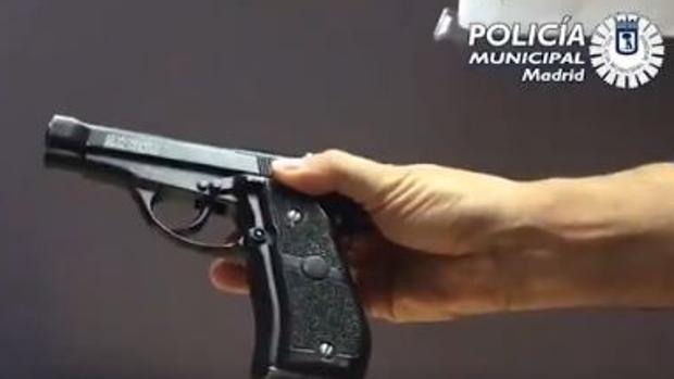 Arma requisada por la Policía