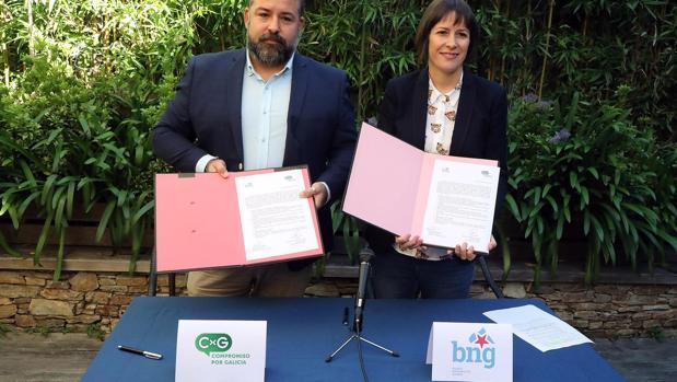 El secretario xeral de CxG, Juan Carlos Piñeiro Docampo, y la portavoz nacional del BNG, Ana Pontón