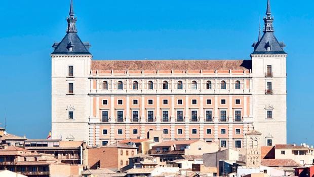 Tras Franco ¿llegará la hora de exhumaciones en el Alcázar de Toledo?