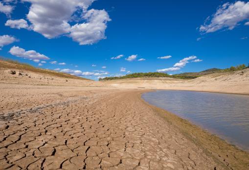 Imagen de archivo del embalse de Entrepeñas tras un periodo de sequía y trasvases