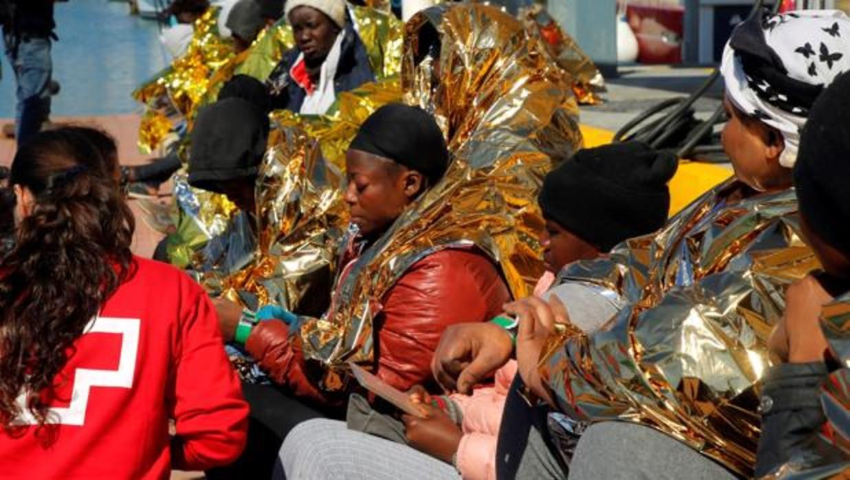 Sanchez - Más de 1.100 inmigrantes han sido rescatados este fin de semana procedentes de 65 pateras - Página 4 1414627139-kyxE--1240x698@abc