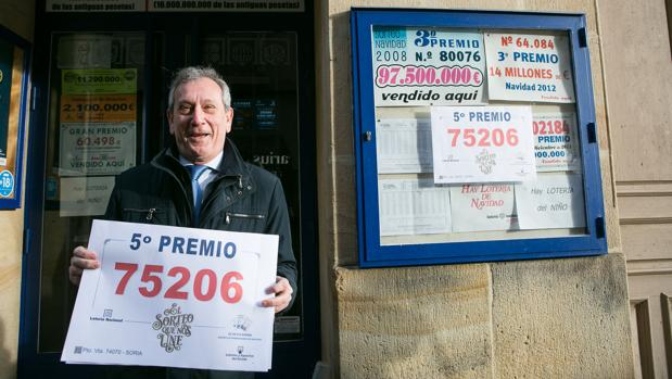 Comprobar Decimo Loteria Navidad 2012 El 75206 Uno De Los Quintos Premios De La Loteria De Navidad Cae