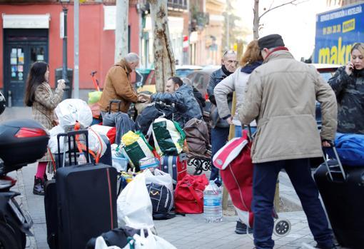 Los Okupas Desalojados Del Hogar Social Madrid Hacen Una Sentada