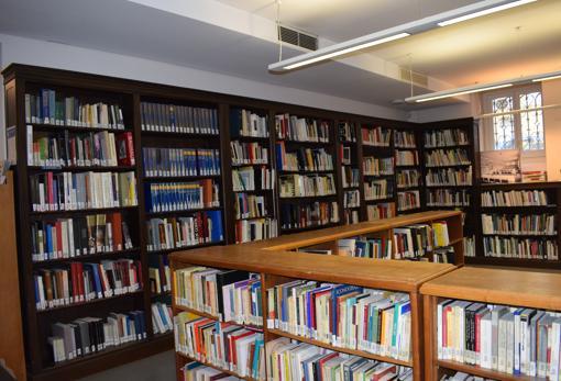 La biblioteca cuenta con un importante fondo