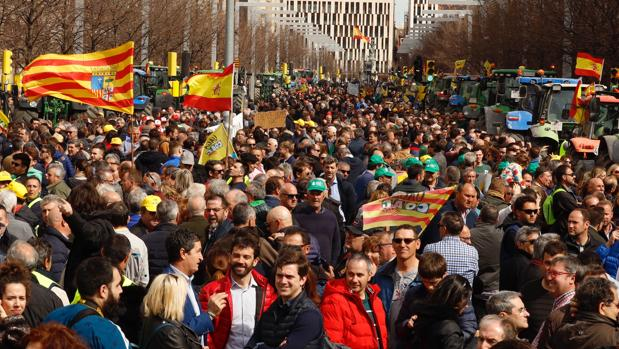 [EFE] 23 de Diciembre de 2019 - El municipio de Pontons se revela contra el proceso de desconexión catalán - Página 2 Aragon_tractorada-kGoB--620x349@abc