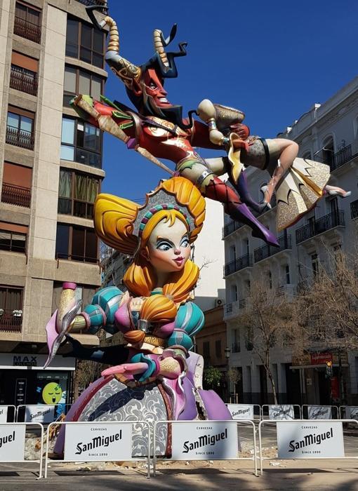 Imagen de la falla Reino de Valencia antes de ser víctima del acto vandálico