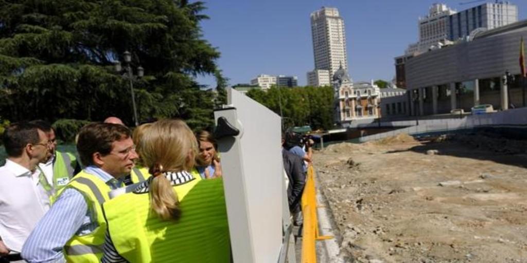 Madrid paraliza un centenar de obras municipales y sólo se terminará el centro de emergencia de Villa de Vallecas