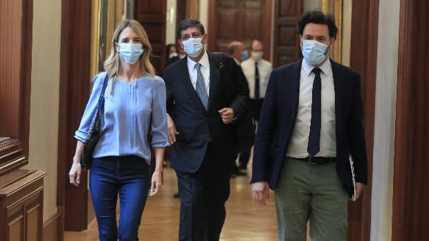 Álvarez de Toledo anima a sus críticos en el PP a dar la cara y abrir un  debate público