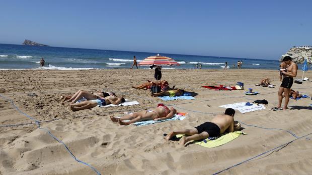 Cómo reservar hueco en la playa de Benidorm este verano en la ...