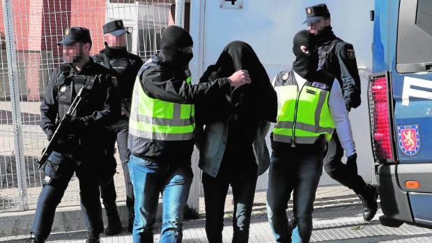 Detenidos tres yihadistas dispuestos ya a cometer atentados en España Yihadista-U21284784761lMD-620x349@abc