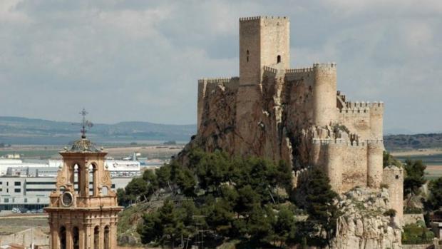 Imagen de archivo del castillo, que domina Almansa y data del siglo XIV