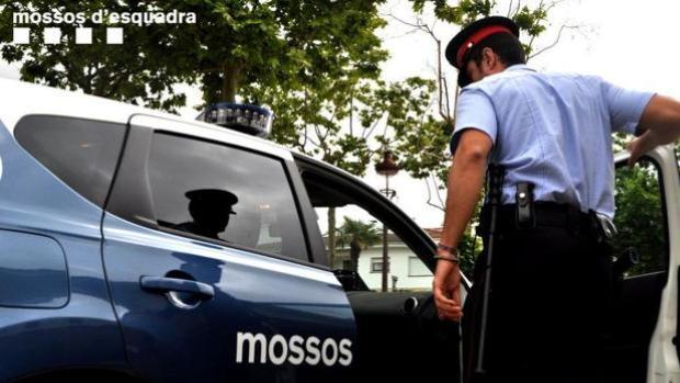 Muere una pareja de 20 y 24 años tras precipitarse por un balcón en Lérida