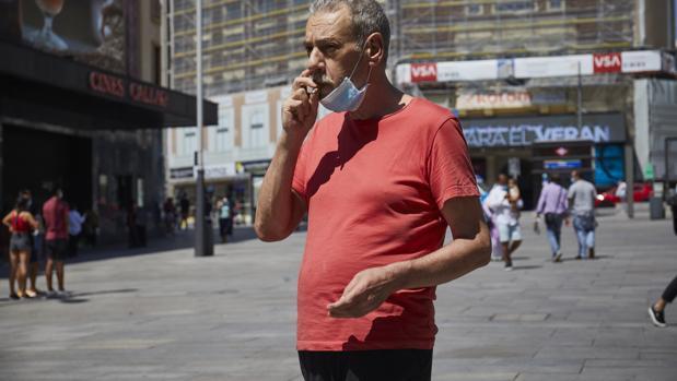 La orden afectará también a quienes fuman en espacios públicos
