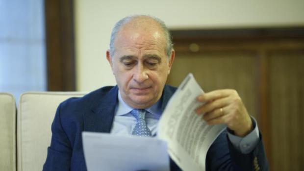Jorge Fernández Díaz rechaza abandonar el PP para no parecer «culpable»