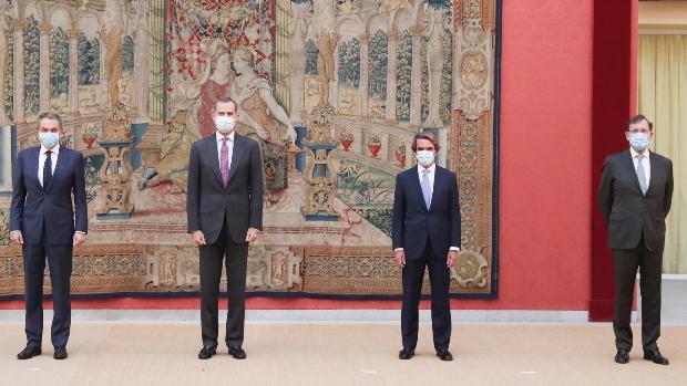 El Rey Se Reúne Con Aznar Zapatero Y Rajoy Y Felipe González Se Suma Por Videoconferencia