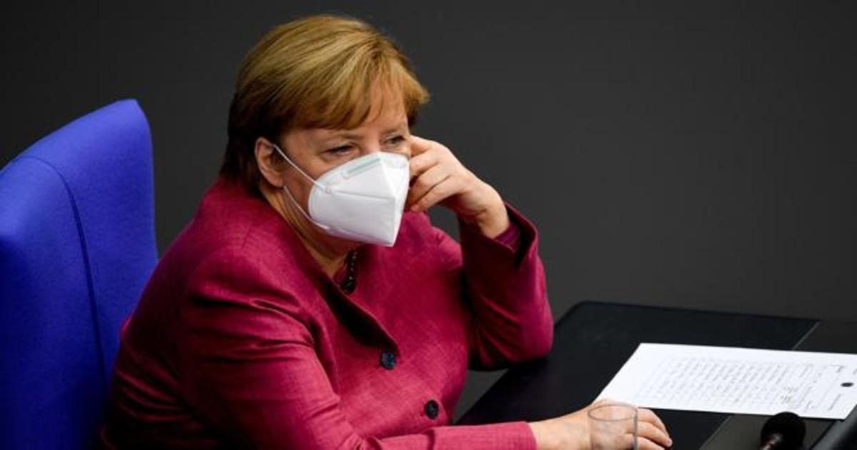 Merkel y Macron sí dan la cara en el parlamento y asumen su responsabilidad por el covid