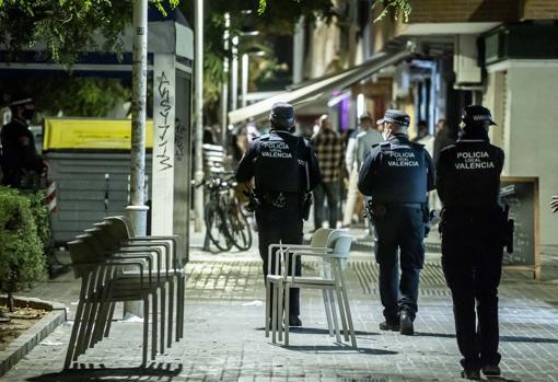 Imagen de un control de la Policía Local en Valencia