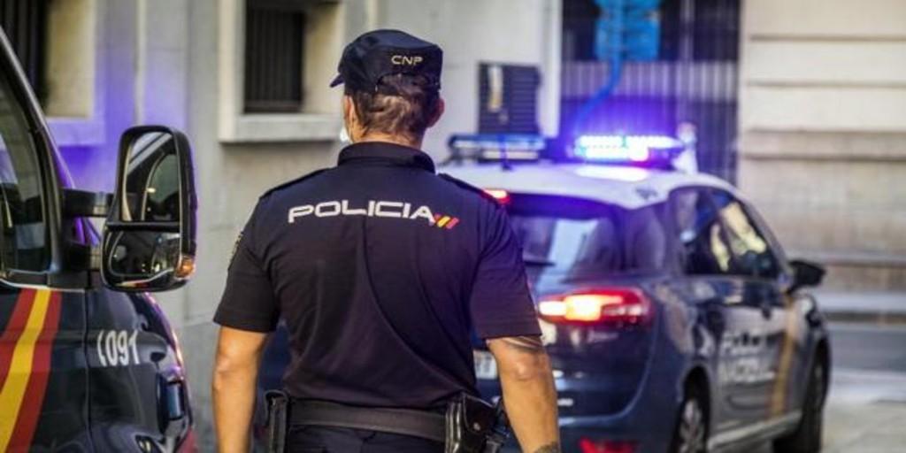 Detienen a un menor de 14 años por pegar y herir a su madre por no darle dinero en Valencia