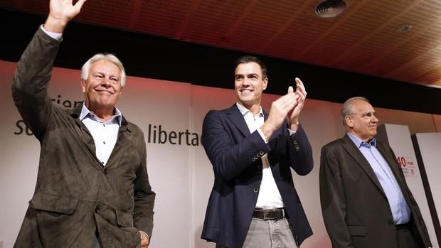 Felipe González, Pedro Sánchez y Alfonso Guerra, en una imagen de archivo