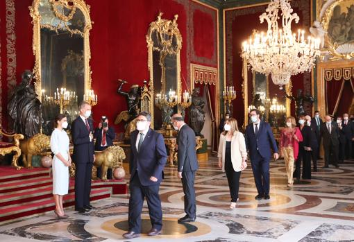 Guests in the greeting to the Kings