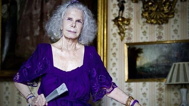 La duquesa de Alba en su casa de Sevilla, en junio de 2012