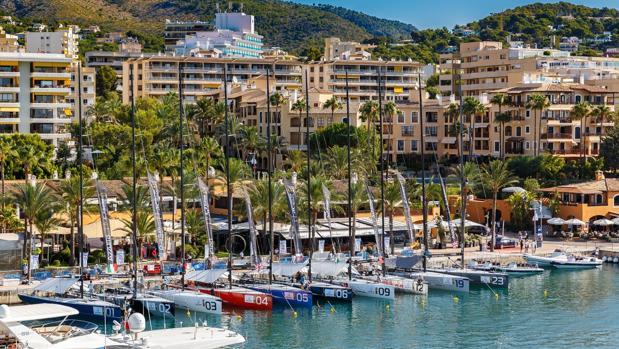 Este mes de julio el Puerto Portals está de fiesta por la regata y la celebración de su 30 aniversario