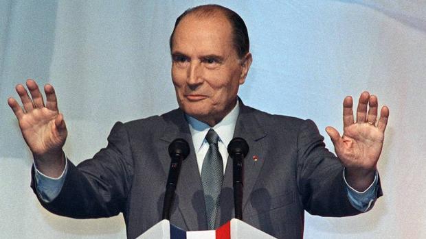 El presidente francés François Mitterrand durante un acto en Lyon en 1988