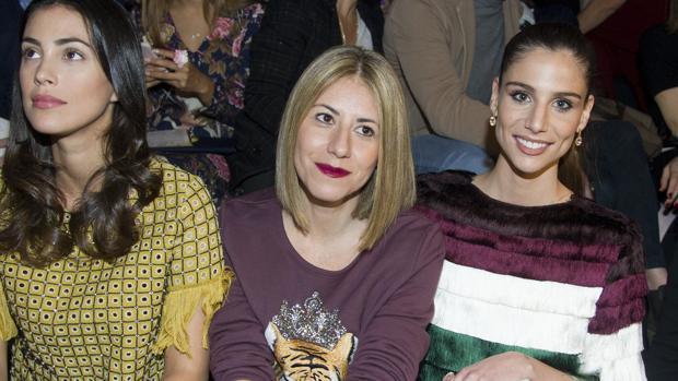 Lucía Villalón acude como espectadora en la Mercedes Benz Fashion Week