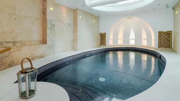 Un sótano con piscina de la zona de Cheyne Place, en Chelsea