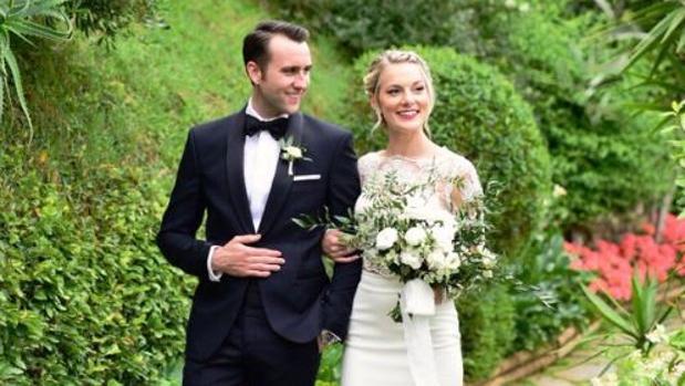 Matthew Lewis y Angela Jones