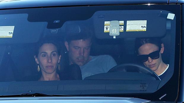 Jennifer Garner lleva a Ben Affleck a una clínica de rehabilitación acompañada de una amiga